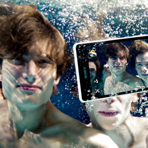 Dive Into the Sony Xperia ZR